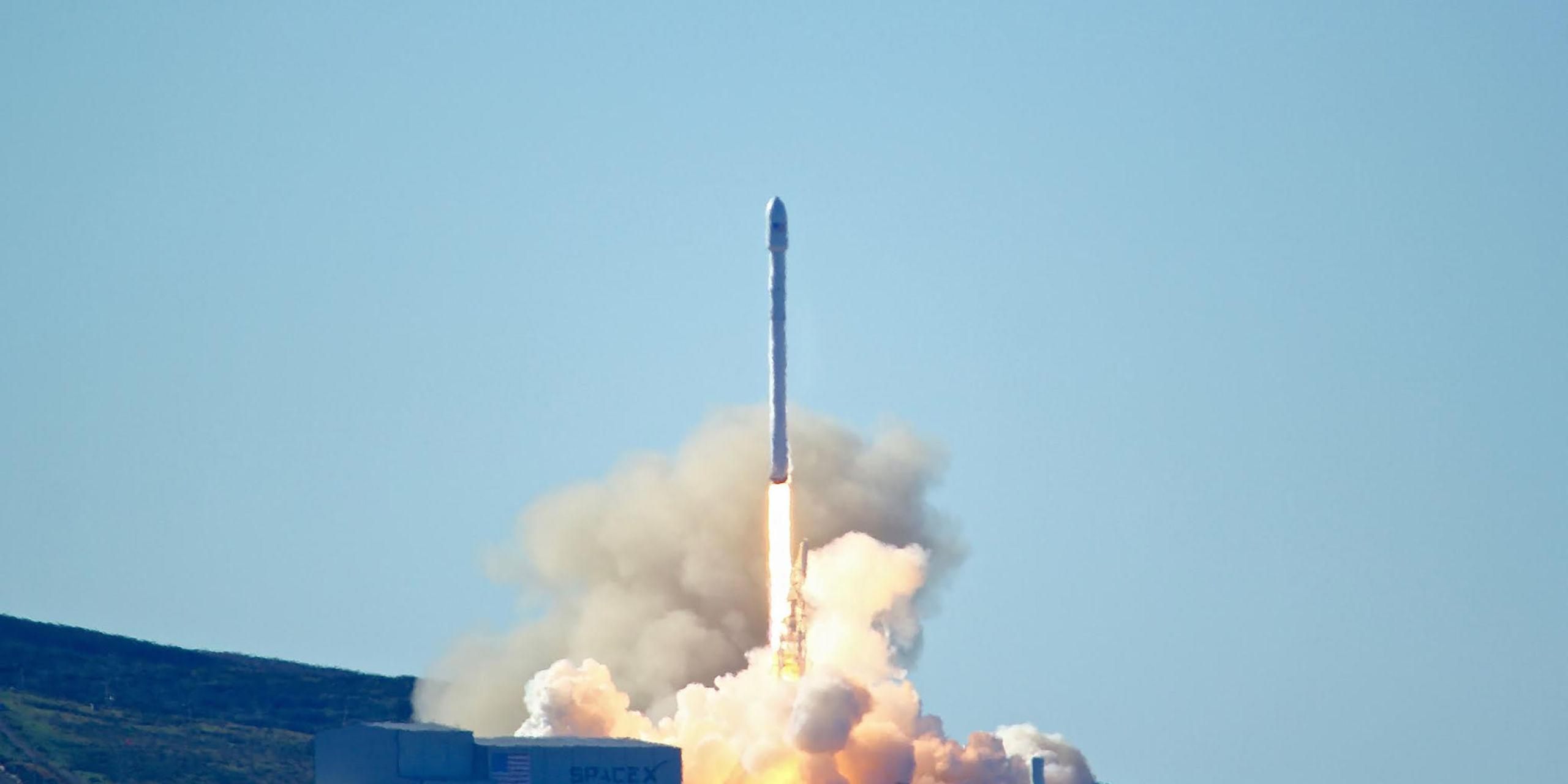 SpaceX Launches Its First Rocket Since Their Florida Explosion
