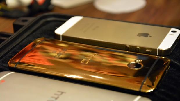 18 carat gold HTC One is already scuffed and not by us