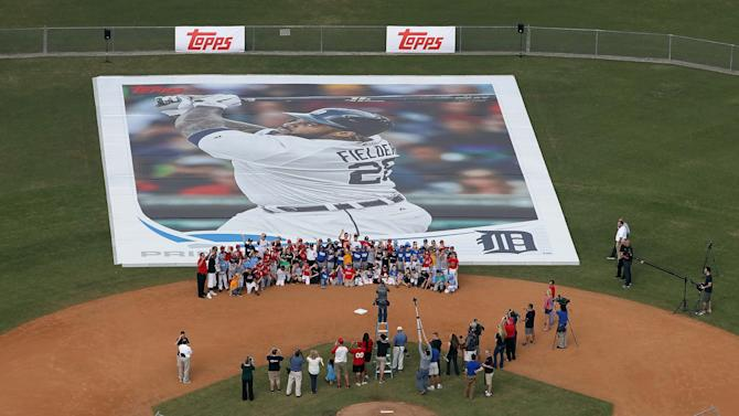 MLB: Detroit Tigers-Topps Card Event