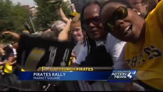 Pirates fans rally in Market Square