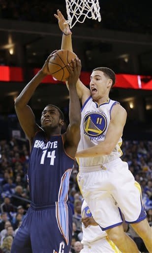 Lee's triple-double paces Warriors past Bobcats