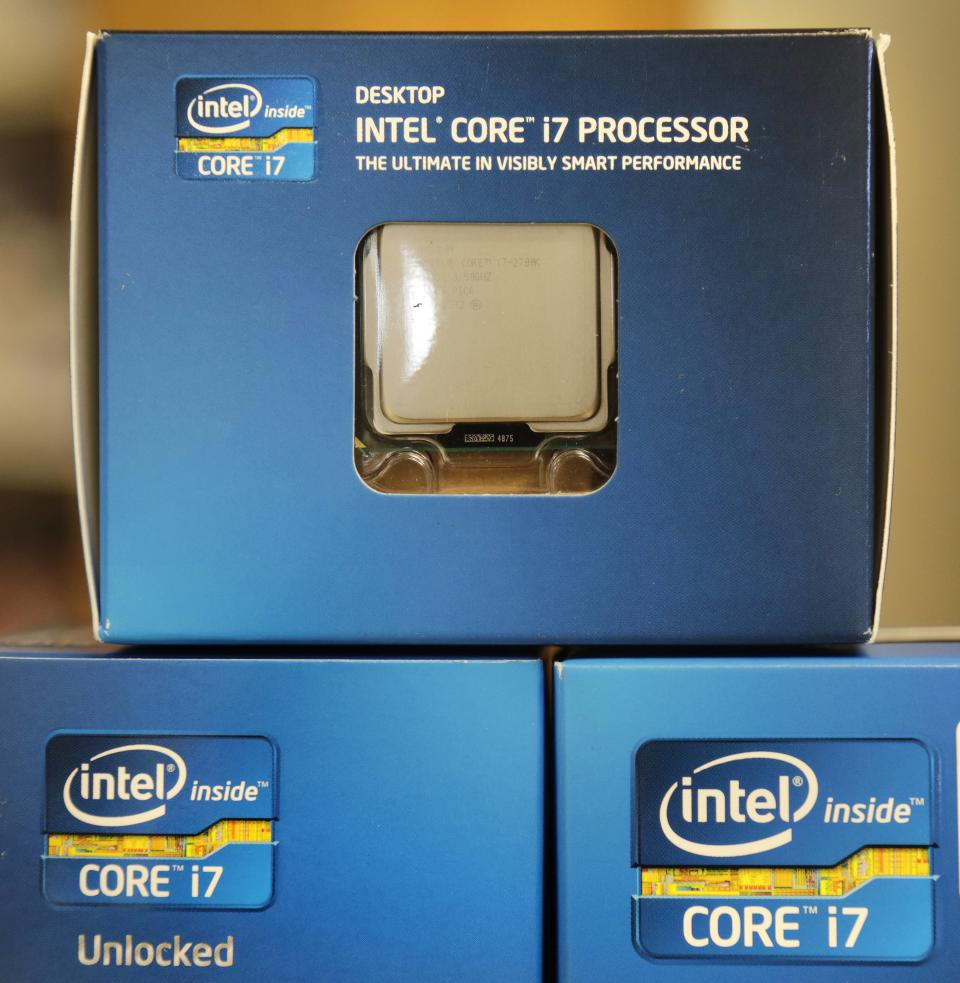 Intel sees weak 4Q, little Windows 8 bounce