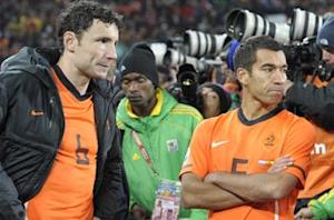 Van Bronckhorst tips Netherlands for World Cup glory