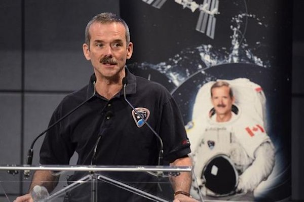 Chris Hadfield to retire from Canadian Space Agency | Geekquinox - Yahoo! News Canada