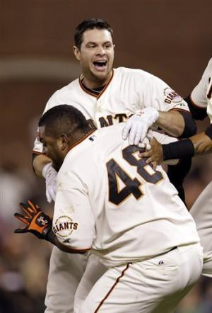Belt ninth-inning single lifts Giants past D-backs