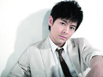 Jimmy Lin defends health drinks