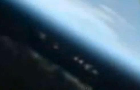 'UFO Mothership' Near Space Station a Trick of the Light
