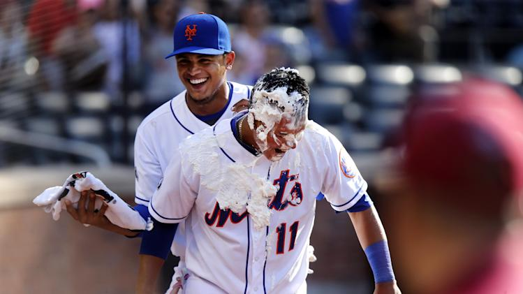 Mets end 5-game skid, rally past Phils 5-4 in 11