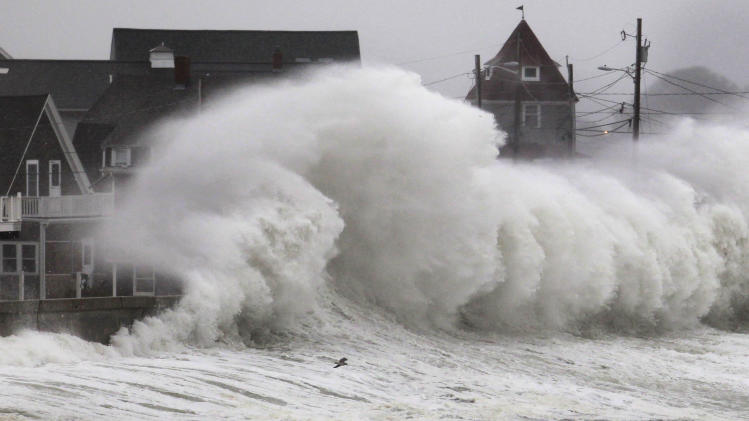 New storm bears down on Sandy-battered NYC, NJ