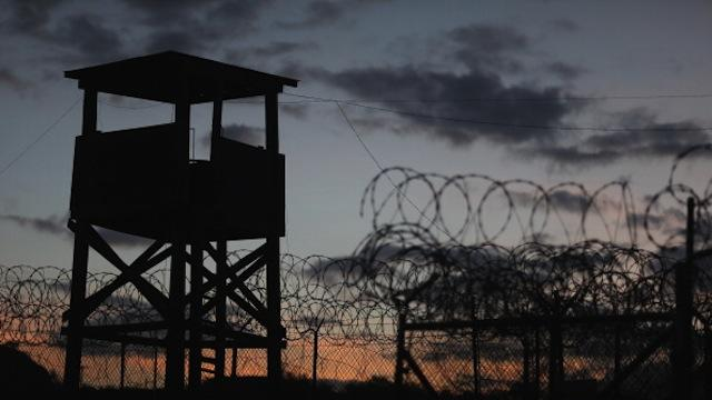 Gitmo detainees on hunger strike sue over forced feeding