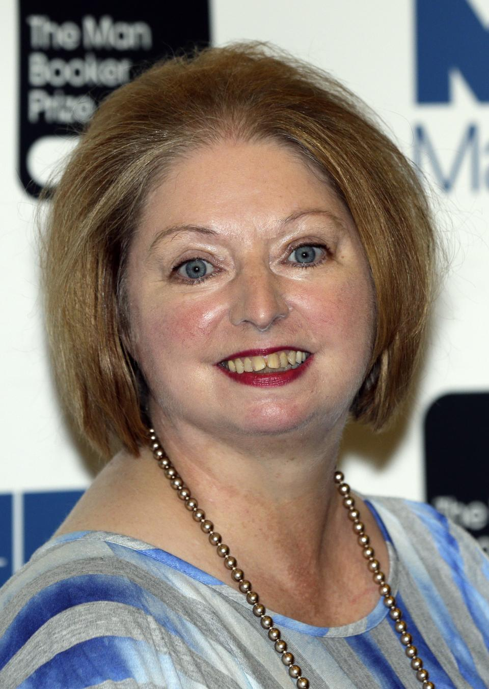 Hilary Mantel Wins 2nd Booker Prize For Tudor Saga Yahoo