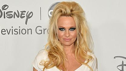 Pam Anderson To Remain Celibate During 'DWTS'