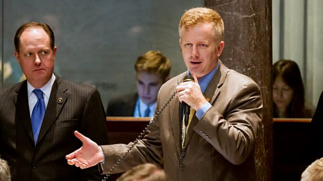 Tennessee Senator Refuses to Apologize for Pressure Cooker Joke