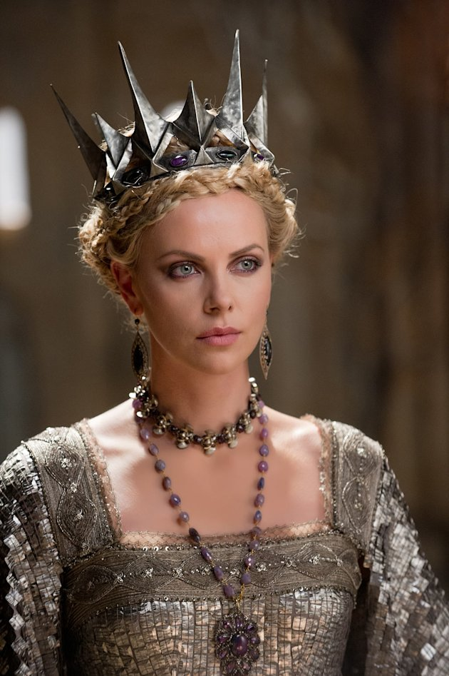 2410 D012 00145R jpg 181420 - Snow White and the Huntsman (2012)