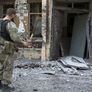 Raw: Aftermath, Artillery Shells Hit Donetsk