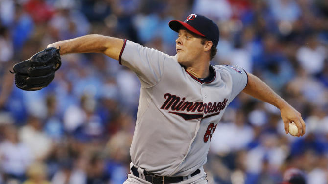 Albers dazzles in debut as Twins top Royals 7-0