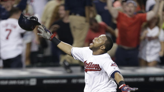 Santana homers in 10th, Indians top White Sox 6-5