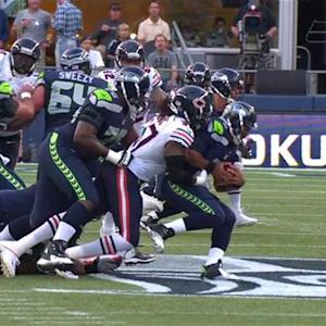 Chicago Bears defensive end Willie Young sacks Seattle Seahawks quarterback Russell Wilson