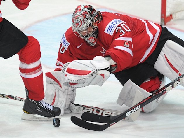 Canada's Goalie Cam Ward Saves AFP/Getty Images