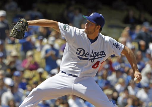 Dodgers turn triple play, beat Padres 5-4