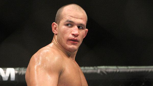 First UFC Loss Behind Him, Junior dos Santos Focused on Mark Hunt and Regaining Title