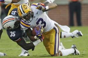 Defense leads No. 2 LSU to 12-10 win over Auburn