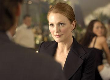 Julianne Moore in New Line's Laws of Attraction