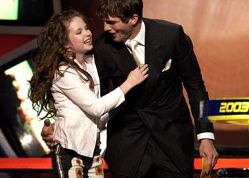 Daveigh Chase and Ashton Kutcher MTV Movie Awards - 5/31/2003