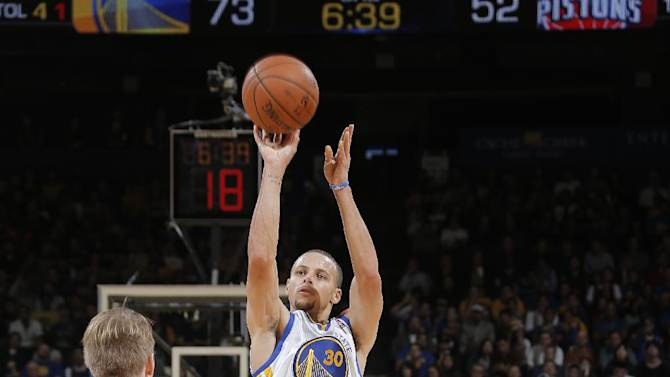 Curry, Lee lead Warriors past Pistons 113-95