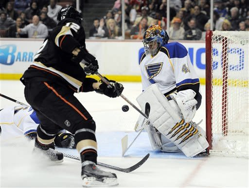 Blake's goal caps Ducks' rally past NHL-best Blues