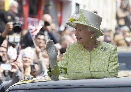 Britain's Queen Elizabeth features with Obamas in light-hearted charity video