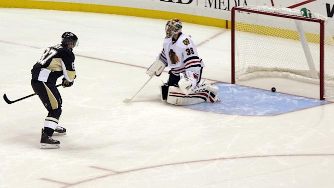 Neal scores in SO, Penguins top Blackhawks 3-2