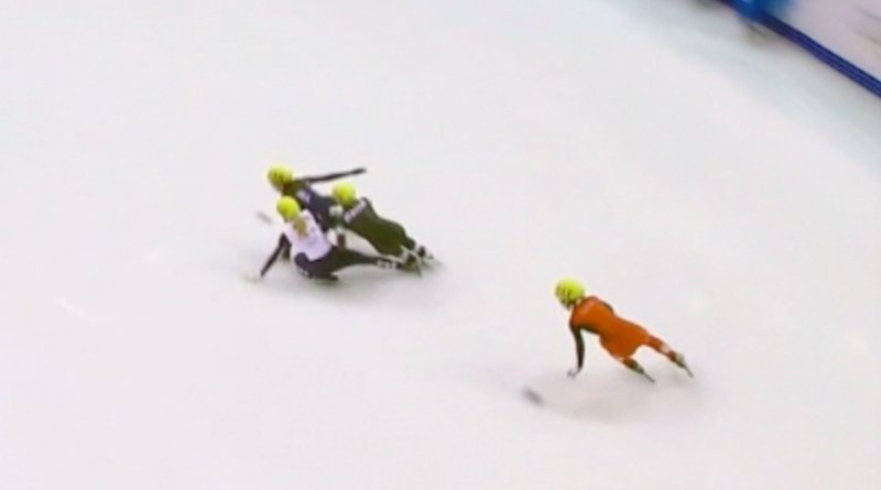 speedskating crash 1