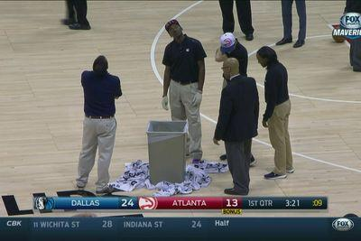 The Philips Arena roof is leaking during Hawks-Mavs to Atlanta snow