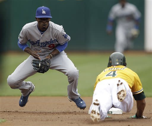 Cespedes' 3-run HR in 9th lifts A's over Dodgers