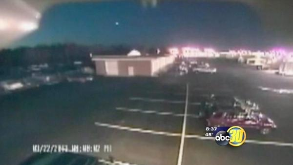 Hundreds see possible meteor fly by earth