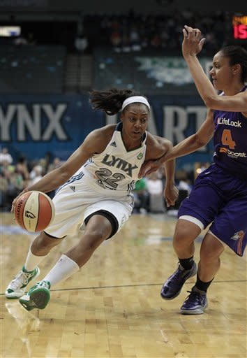 Augustus injured, scores 19 as Lynx top Mercury