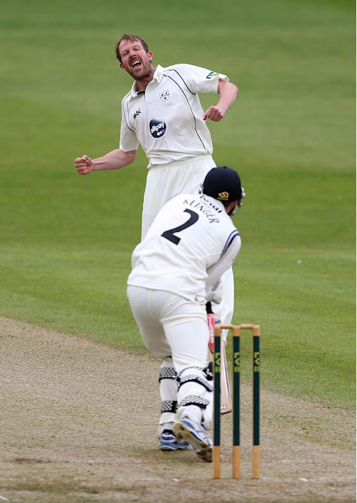 Cricket - LV= County Championship - Division Two - Worcestershire v Gloucestershire - Day One - New Road