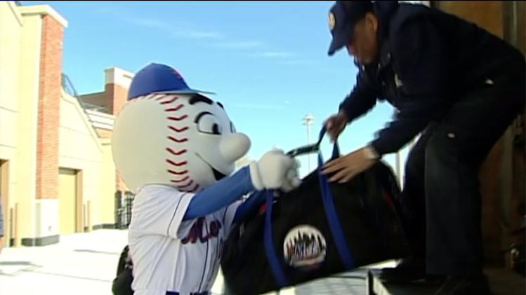 Report: Secret Service Threatened To Kill Baseball Mascot In Late 90s