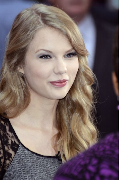 USA/UK/AUS/NEW ZEALAND ONLY Taylor Swift smiles at Good Morning America
