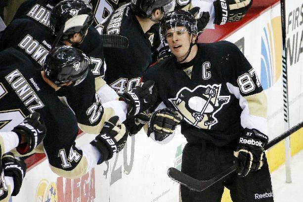Penguins score 3 goals in third period, beat Coyotes 3-2