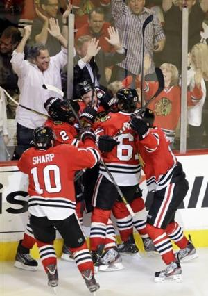 Seabrook's OT goal lifts Blackhawks past Red Wings