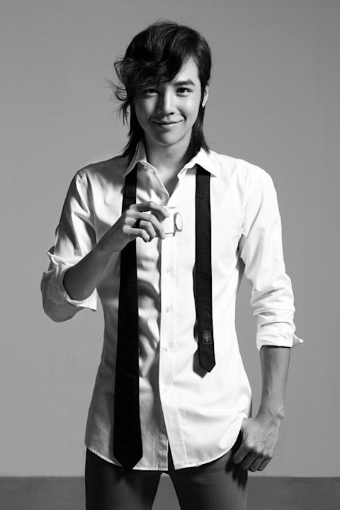Jang Keun Suk Takes Over China through the Web