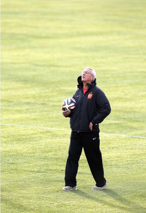 Marcello Lippi, coach of China's Guangzhou Evergrande, reacts during a training session in Agadir Stadium, Agadir