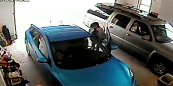Teen driver struggles to back out of garage (GMA)