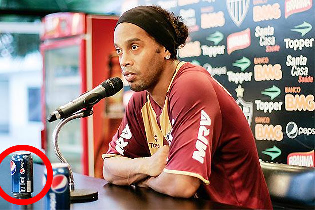Ronaldinho Dan Dua Kaleng Pepsi Cola Yahoo Eurosport