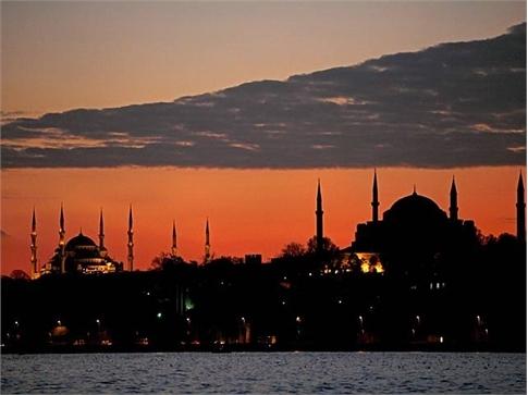 Top 10 des destinations pour faire la fête cet été Istanbul