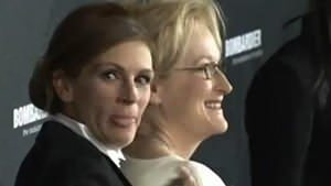 Julia Roberts hangs out with Meryl Streep