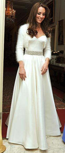 Королевская свадьба: Как Британия нарядилась к торжеству Eveningdress