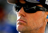 Kevin Harvick nails late restart, beats Matt Kenseth at New Hampshire